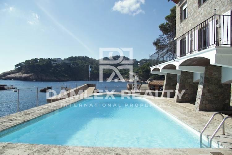First line sea villa in Begur