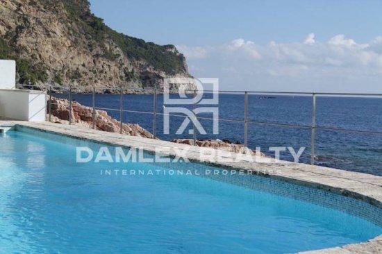 First line sea villa in Begur