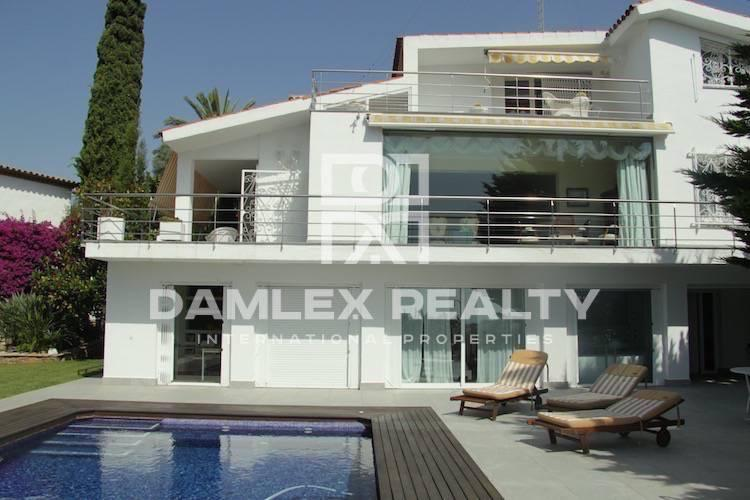 Villa with sea views in Sitges