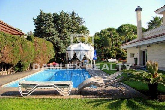 Luxury villa in Costa Maresme
