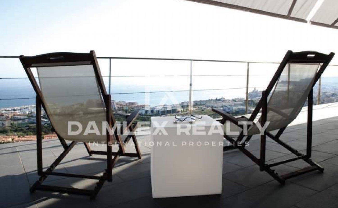 Villa with panoramic sea views
