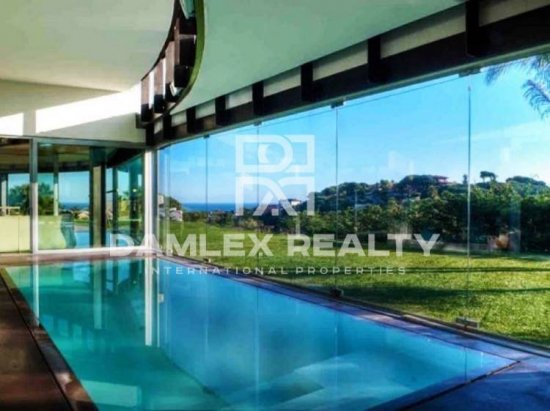 Villa with exclusive design in Costa Maresme