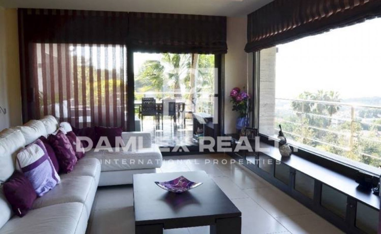 Villa with panoramic sea and mountain views in Costa Maresme