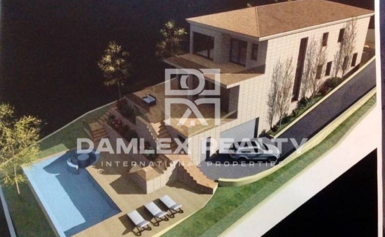 House under construction with sea view in Costa Brava
