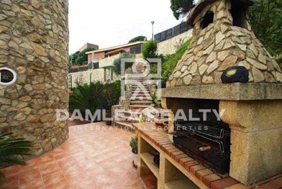 Villa with sea views, 15 minutes