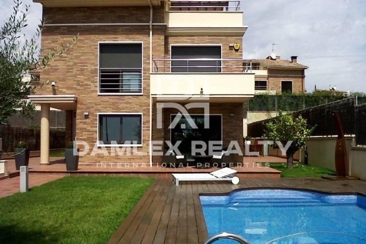 Villa in the suburb of Barcelona. Vilassar de Dalt