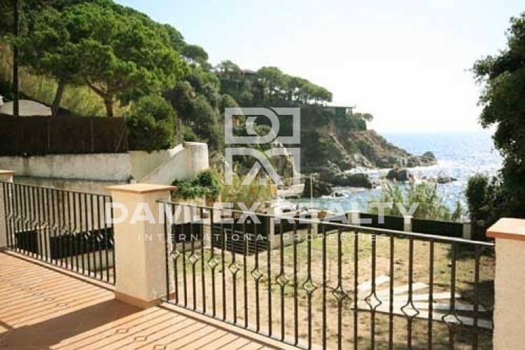 Unique first sea line villa in Lloret de Mar