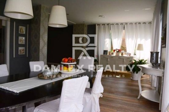 House for sale in the mountain community. Costa Maresme