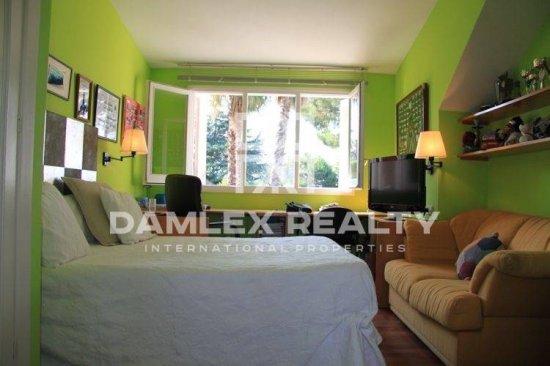 Villa of 300 m2 in Costa Maresme