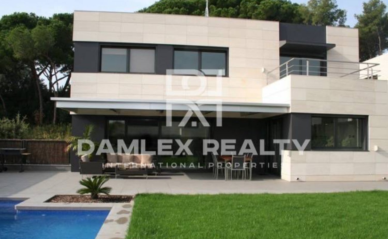 New villas are 25 minutes from Barcelona. Costa Maresme