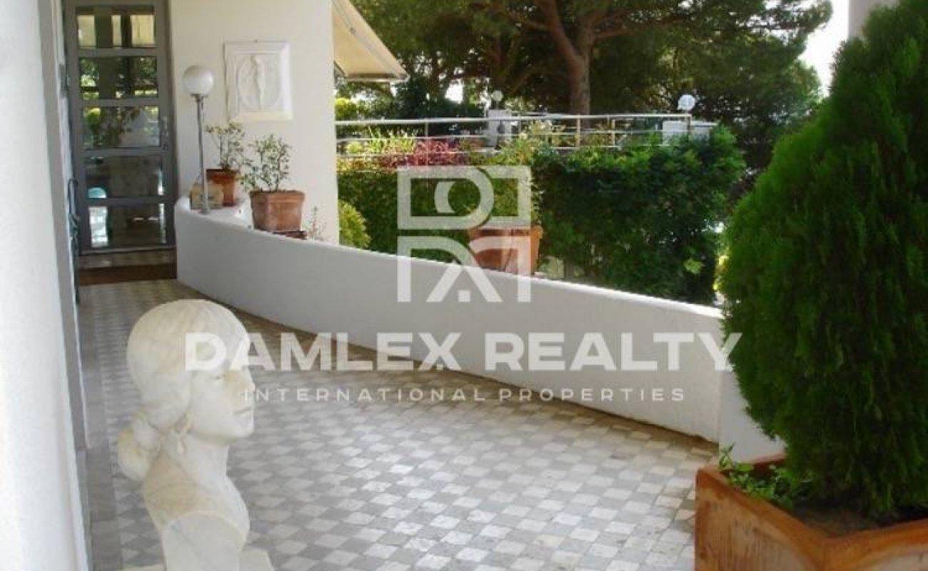 Villa with guest apartment on the Costa Brava