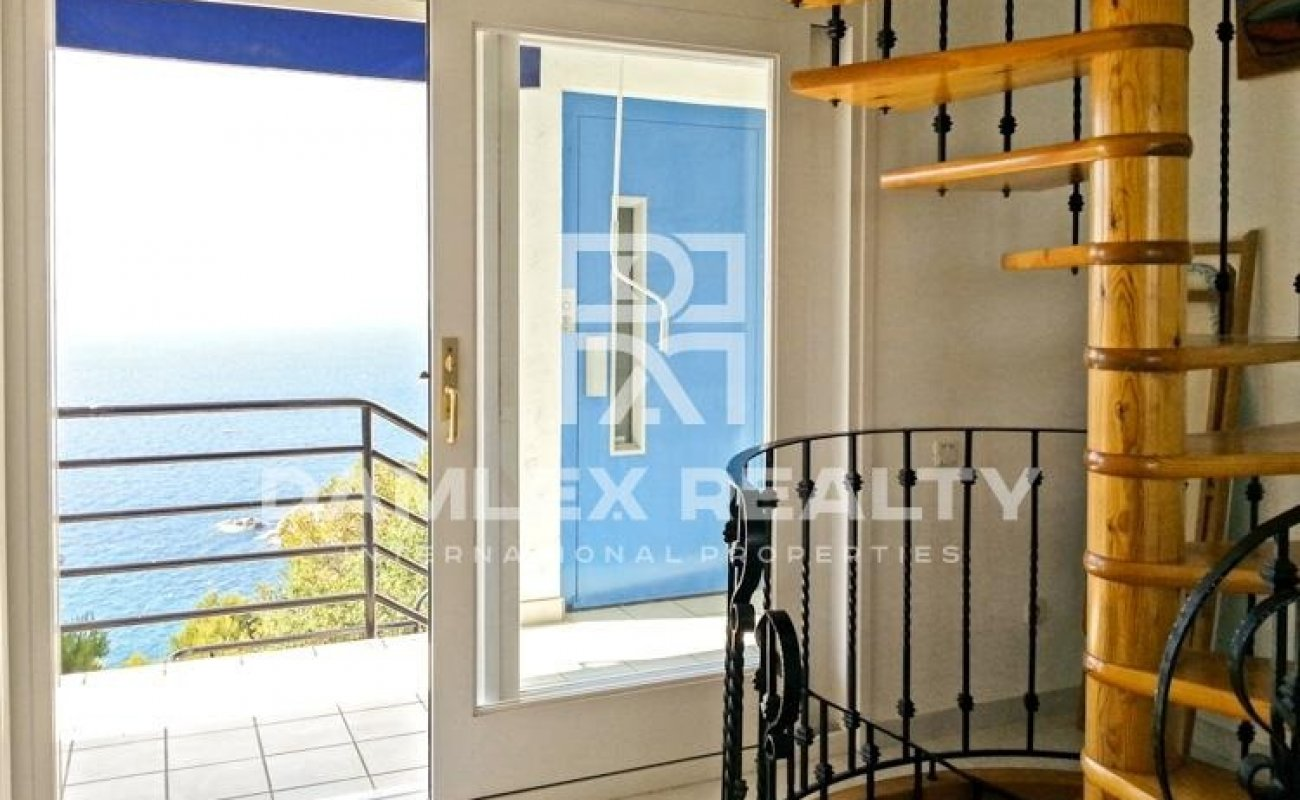 Costa Brava. Villa in urbanization in the town of Blanes