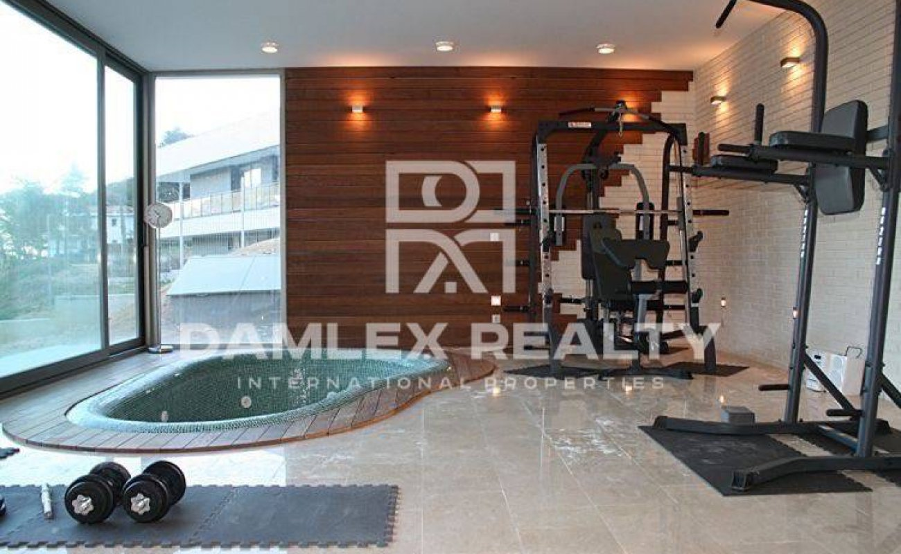 New villa near the beach in Blanes