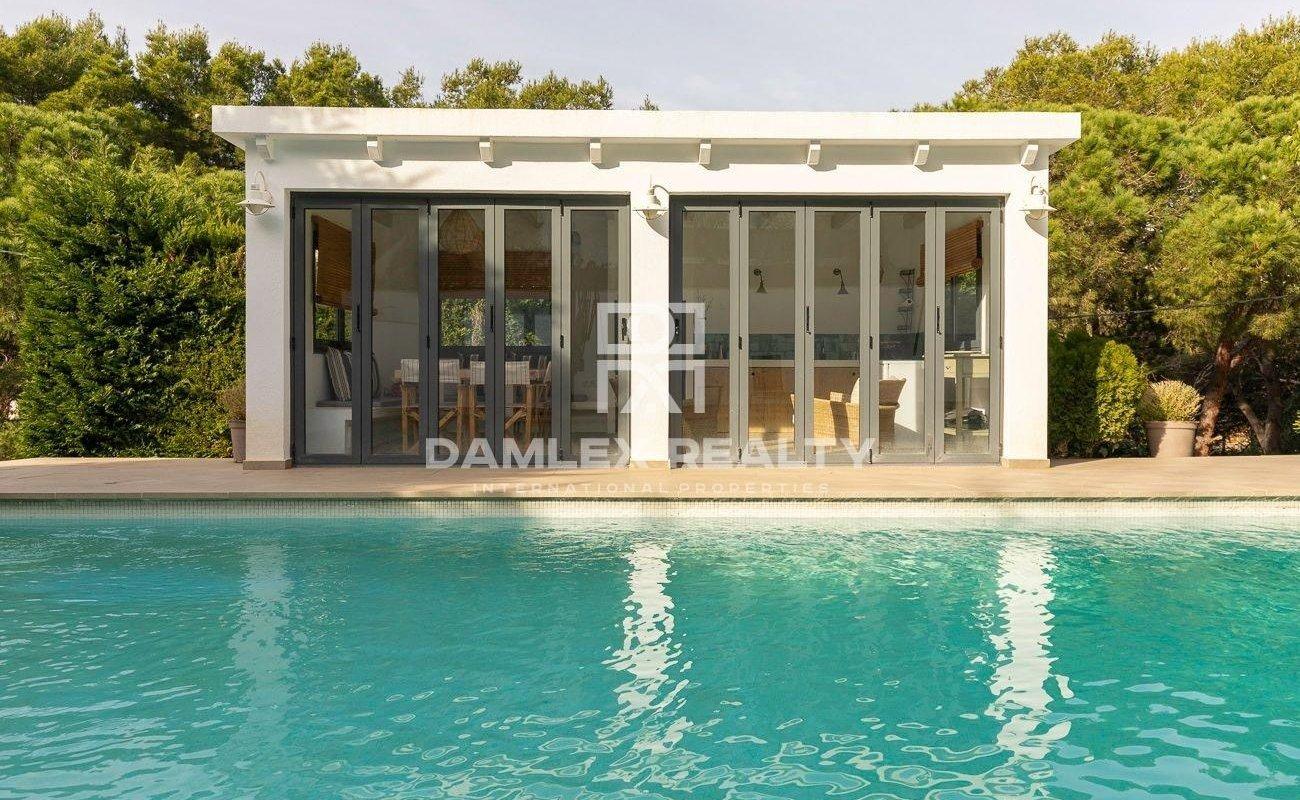 Modern villa in the urbanization La Montgoda, Lloret de Mar