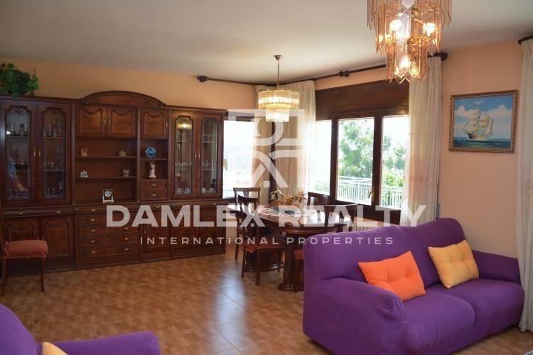 Villa in the city of Blanes with sea views in a quiet urbanization