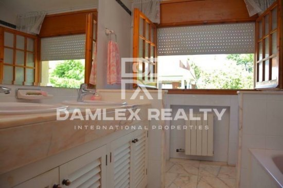 Villa with sea views in Vilassar de Dalt