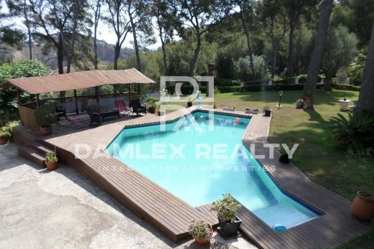 Villa in Castelldefels, with a large expanse of land