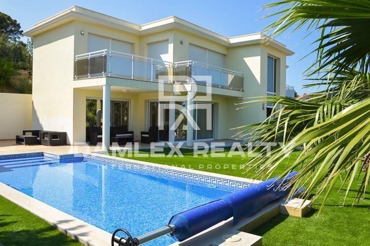 Villa with sea views in Playa de Aro.