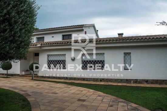 Villa in a luxury urbanization Can Teixido