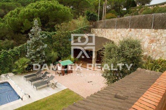 Villa in Sant Andreu de Llavaneres with sea views