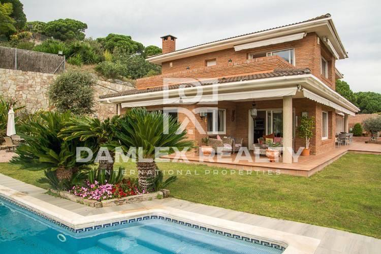 Villa in Sant Andreu de Llavaneres with sea views
