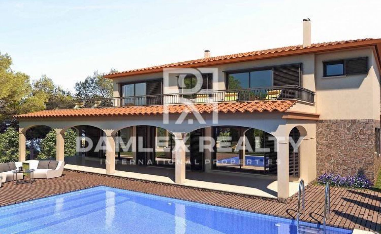 Exclusive offer. Villa on the first line of the sea on the Costa Brava