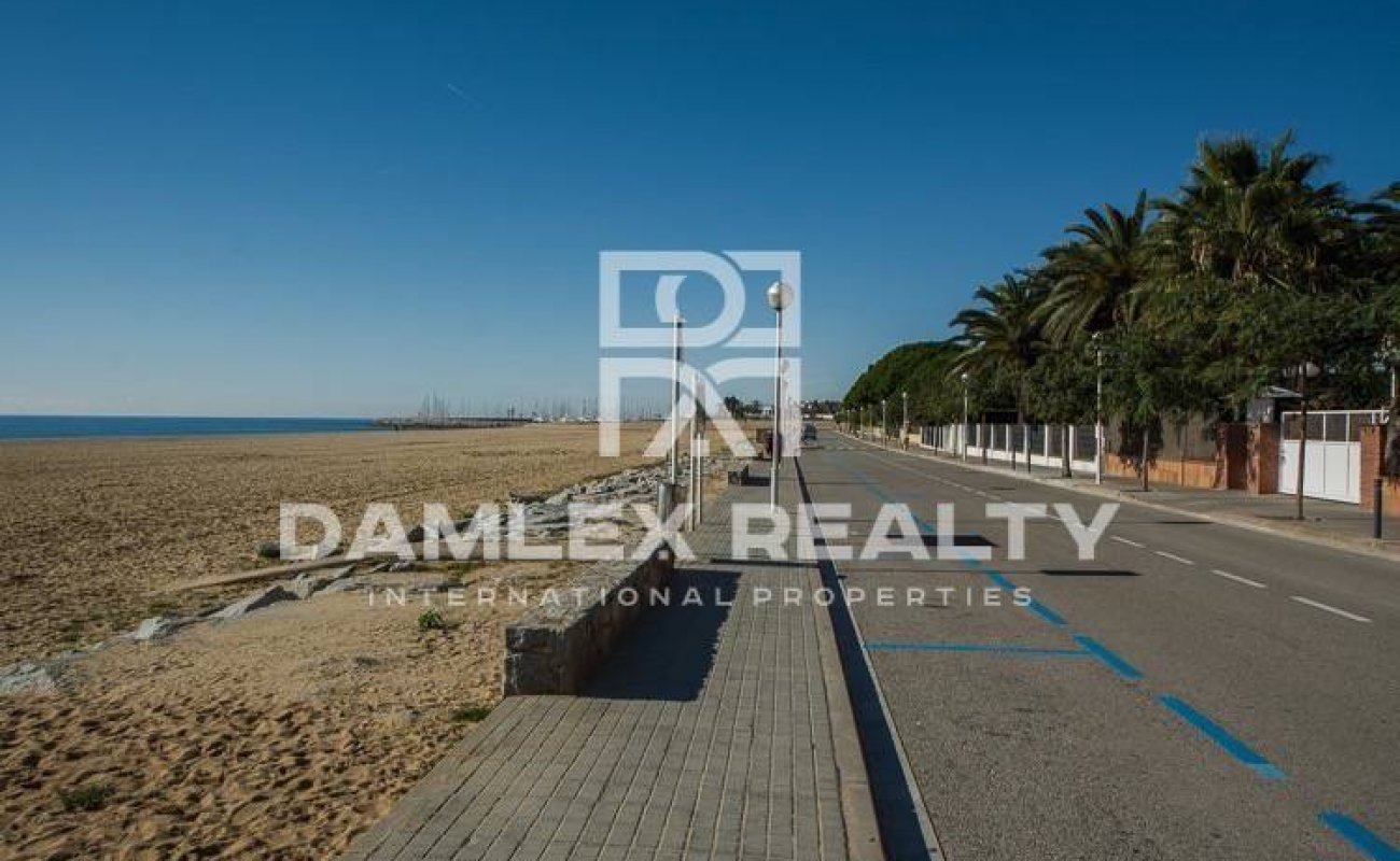 Villa in exclusive urbanization in Costa Maresme