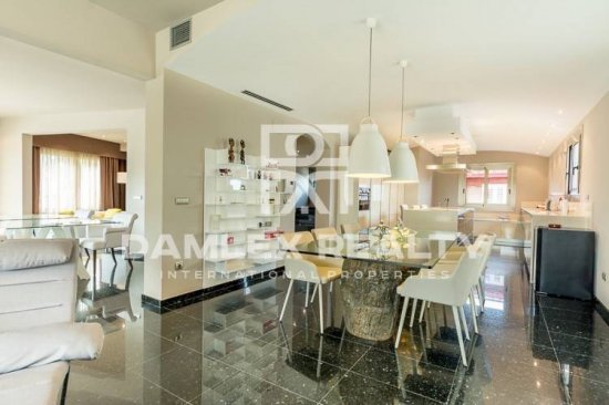 Luxury Villa just 600 meters from the beach in Barcelona province
