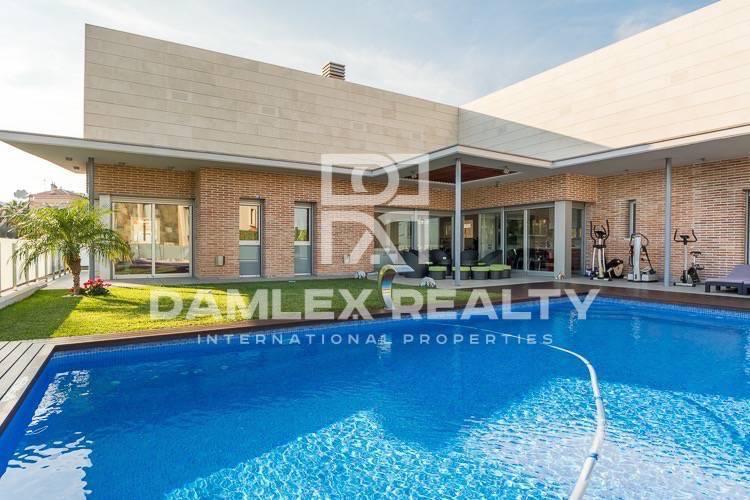 Beautiful design villa in Barcelona