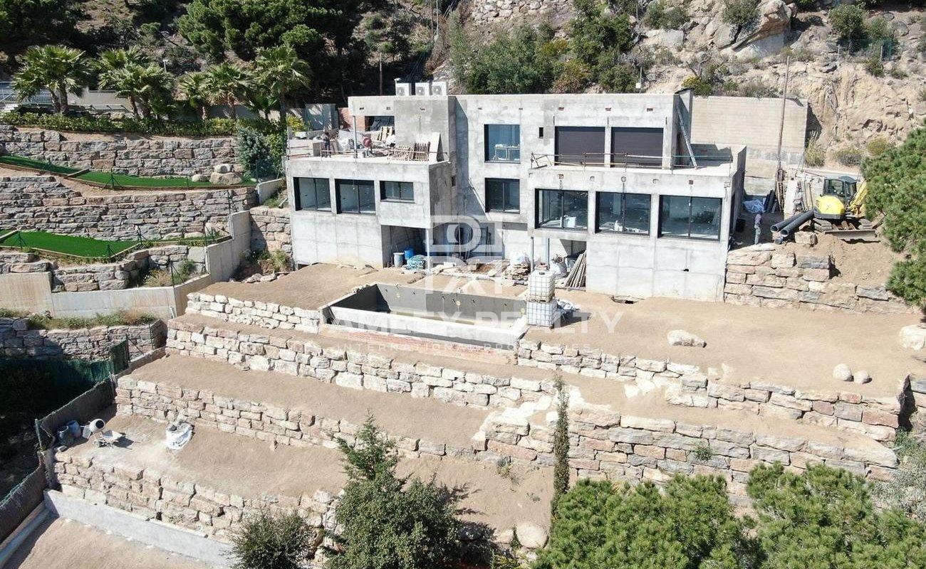 Villa with sea view in construction. Costa Brava