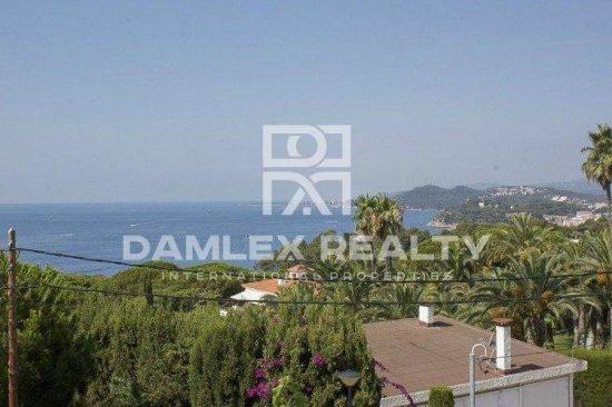 Villa with stunning sea views in one of the best urbanizations in Costa Brava