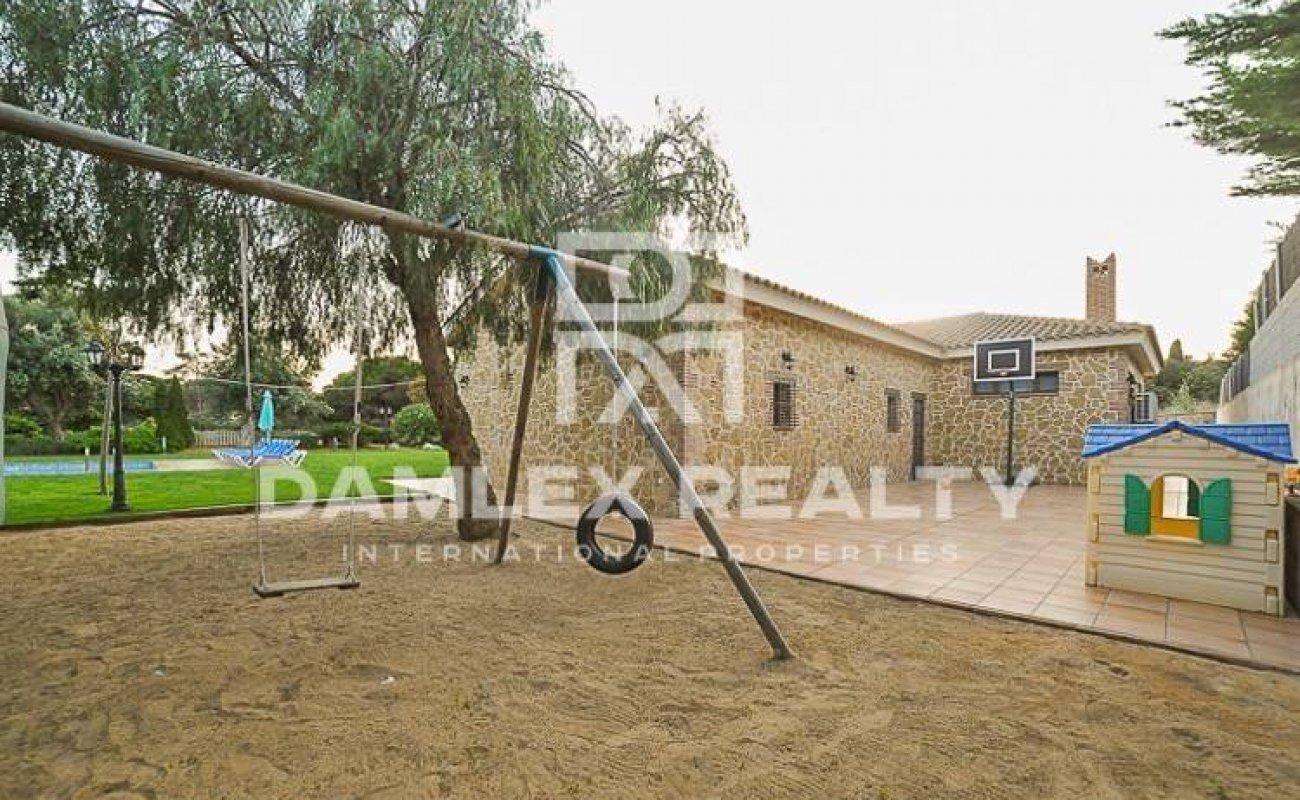 Luxury villa in the town of Sant Andreu de Llavaneres