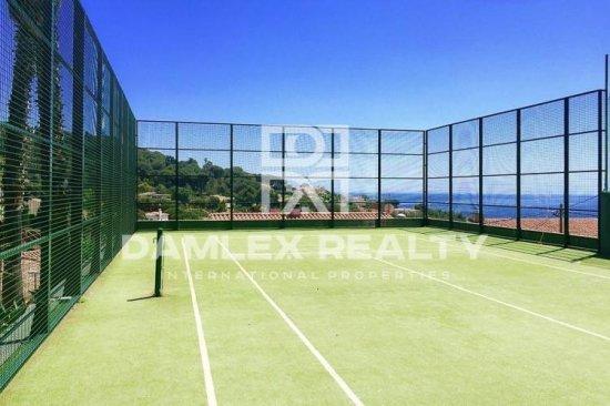 Villa with fantastic sea views in Lloret de Mar.