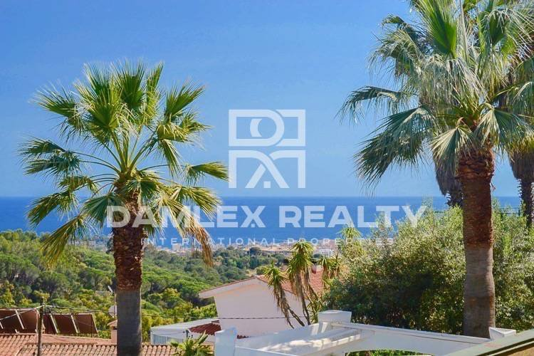 Villa with fantastic sea views in Lloret de Mar.