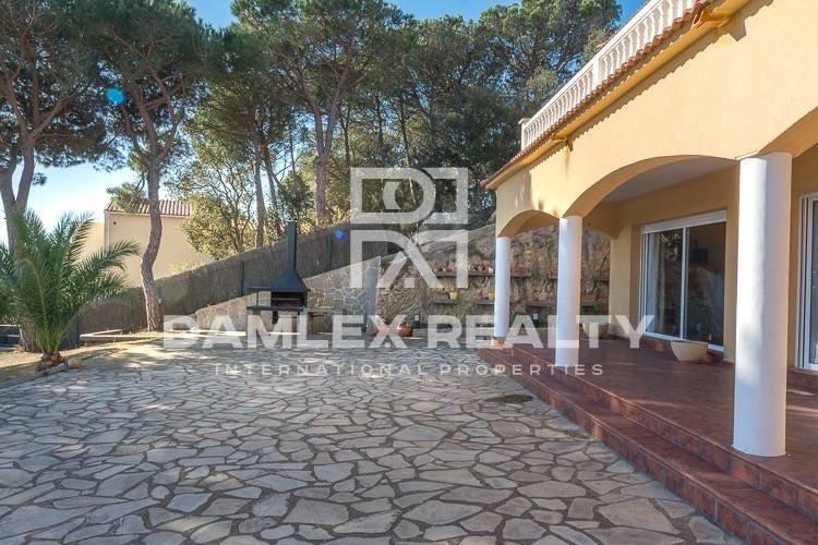 Villa with panoramic sea views in Lloret de Mar.