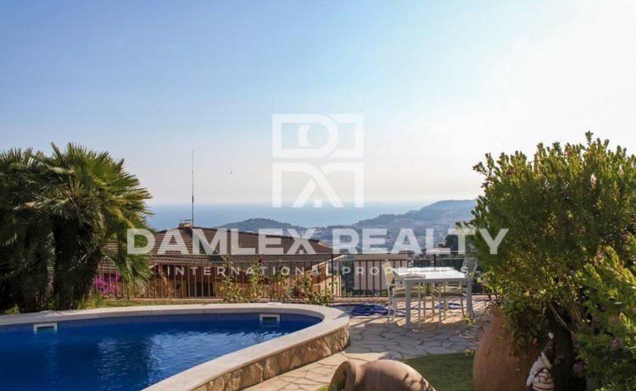 Villa with pool and sea views. Costa Brava