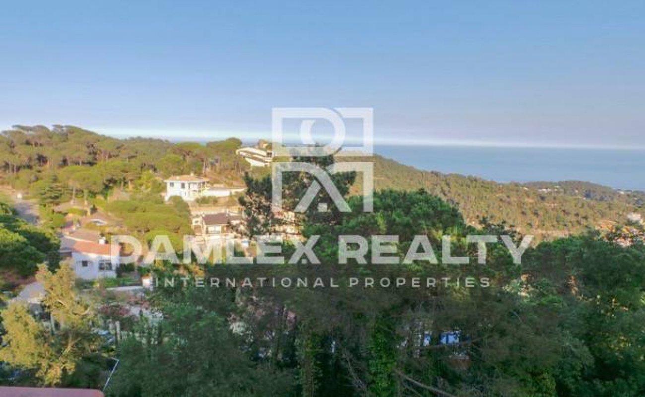 House with a large patio and sea views. Lloret de Mar. Costa Brava