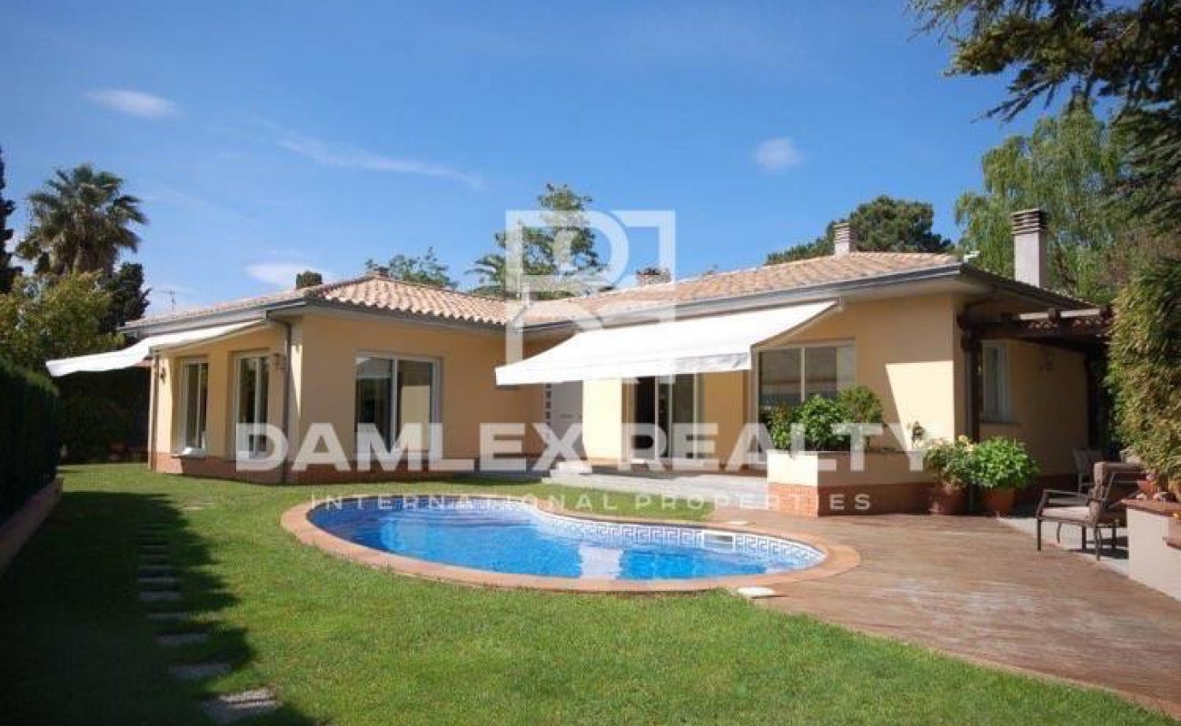 House to 400 meters of the beautiful beach of the Costa Brava