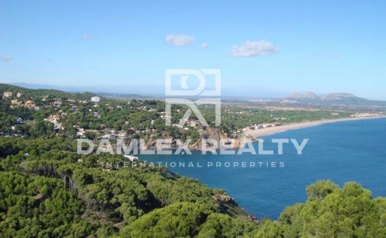 Complex of luxury villas with sea views in Begur