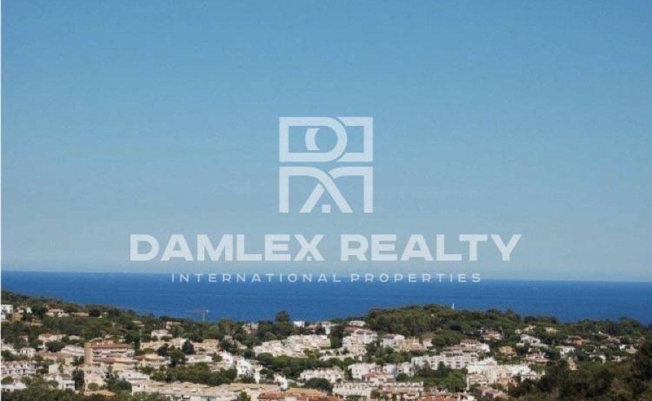 Modern villa with sea views in the town of Sant Feliu de Guixols