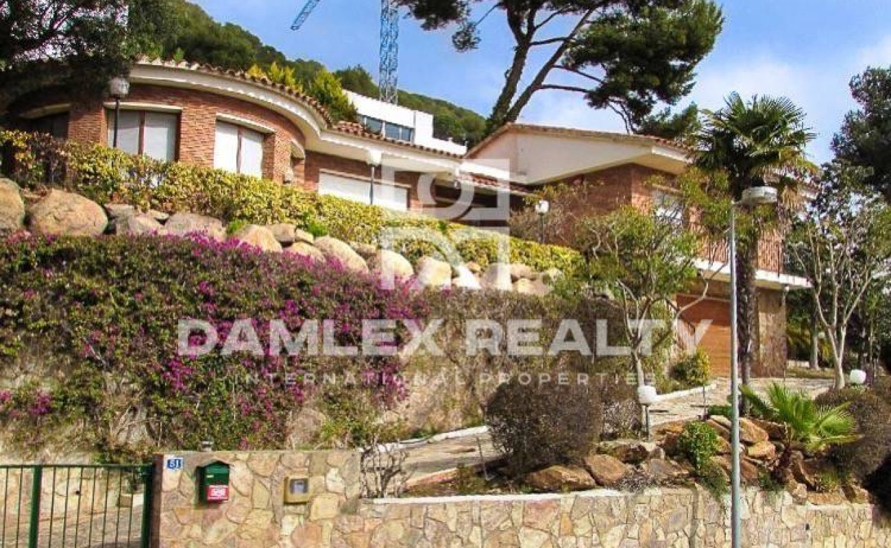 House in Blanes near the bay.