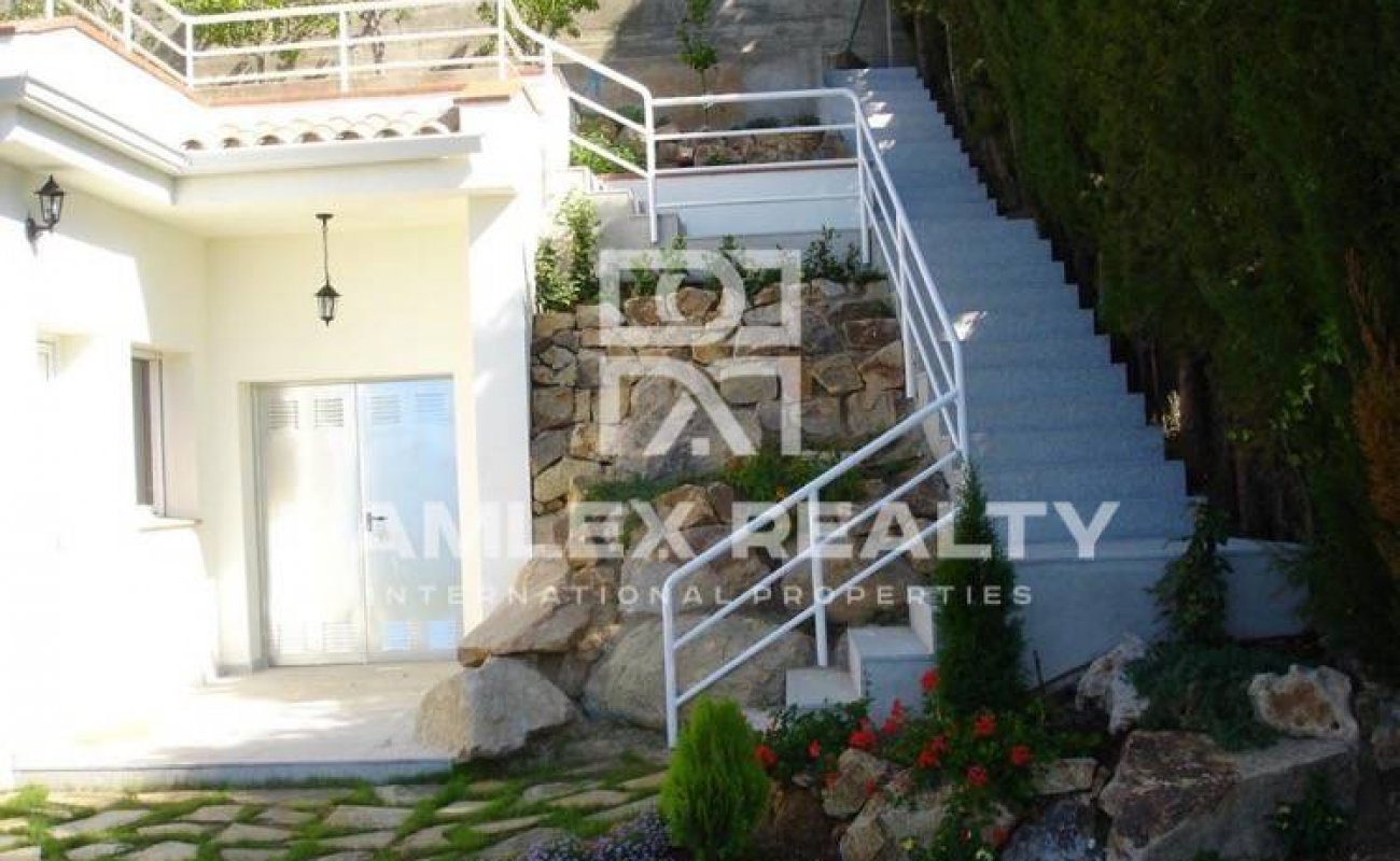 Villa with panoramic sea views in Blanes