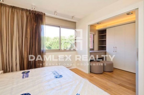 Townhouse with sea views in the town of Gavà Mar just 150 meters from the beach. Costa de Barcelona