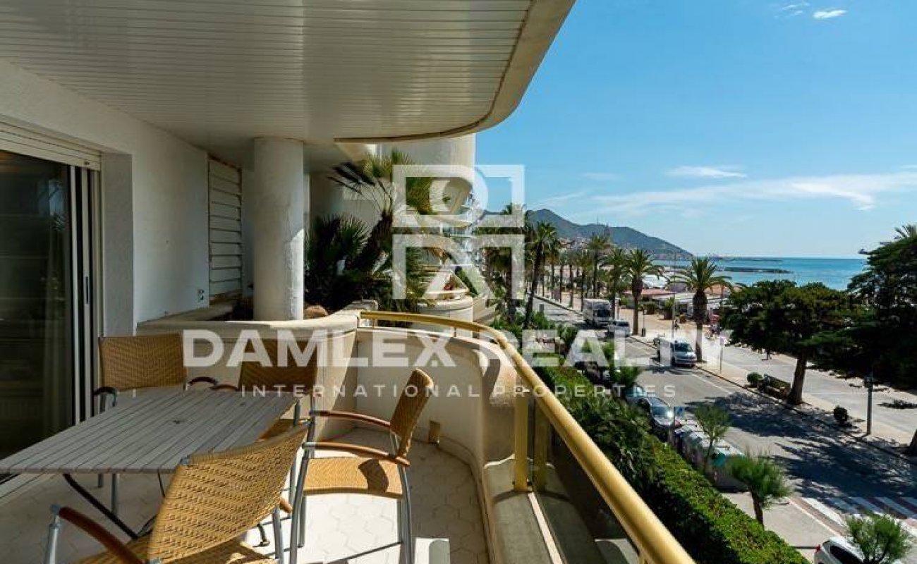 Apartments on the sea front. Costa de Barcelona