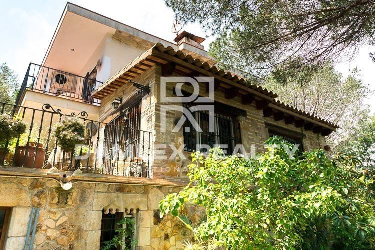 House located 350 meters from the beach, Costa Brava