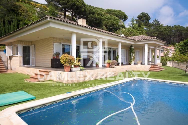 Cozy villa 20 minutes drive from Barcelona.