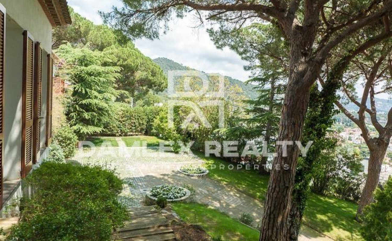 Villa with sea views 20 minutes from Barcelona