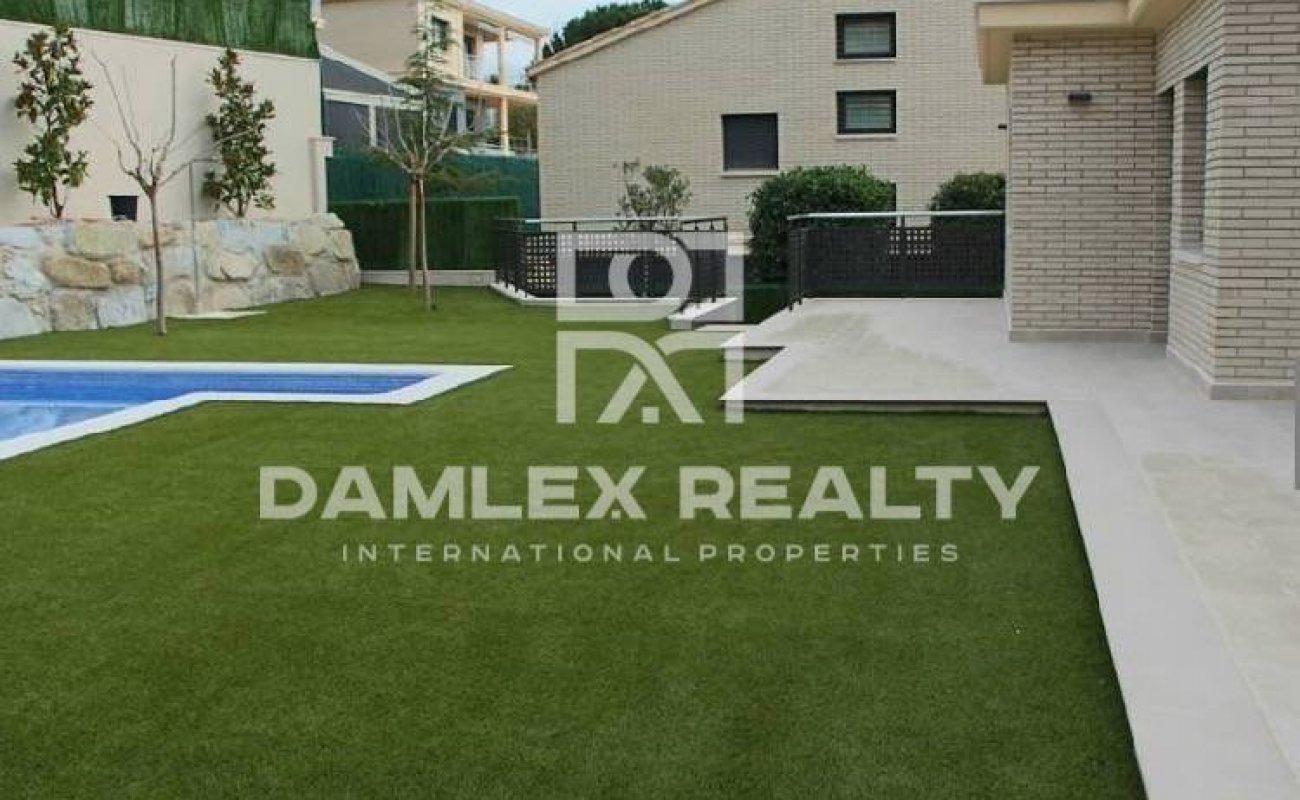 New villas on the coast of Barcelona