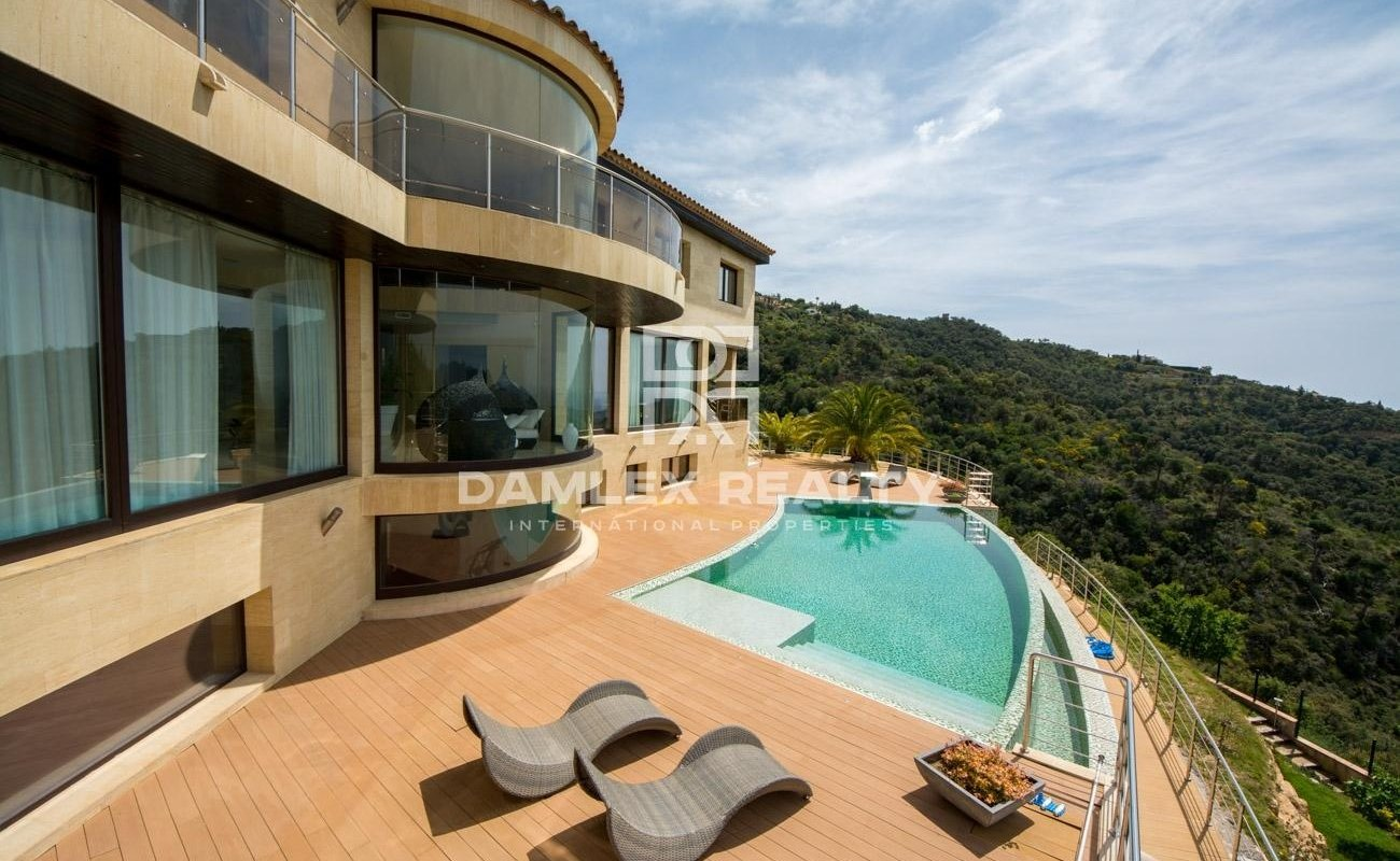 Stunning luxury villa with panoramic sea views in Playa de Aro