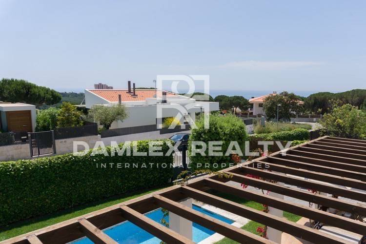 Villa in the urbanization of the town of Sant Feliu de Guixols. Costa Brava